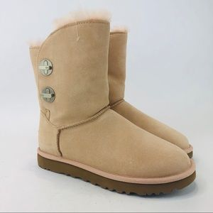 UGG Classic Short Turnlock Sheepskin Boots Peach